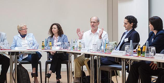 Bild der Expertendiskussion an der Hertie School of Governance, Berlin 15